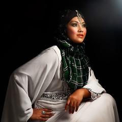 Lovely (esmar.abdulhamid) Tags: eyes muslimah kaftan melayu beautifull tudung mesmerizing gadis kerudung