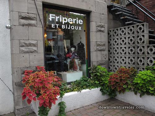 Friperie et bijoux thrift store in Montreal