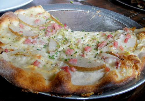 Pear and Ham Pizza