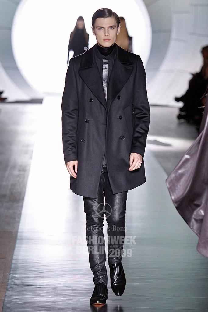 Enrico Petzold3044_FW09 Berlin JOOP(Mercedes-Benz Fashion Week)