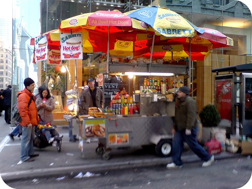 NYC-hot-dog-vendor-new-york-262102_1920_1440
