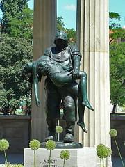 escultura estatua El Pescador escultor Adolf Brütt (1855–1939) Berlin 18 (Rafael Gomez - http://micamara.es) Tags: berlin esculturas en la calle street sculptures germany skulpturen der strase deutschland escultura estatua estatuas monumento monumentos el pescador escultor adolf brütt urbana