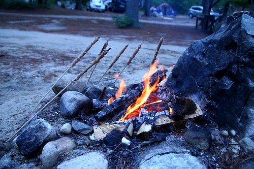 campfire breadsticks