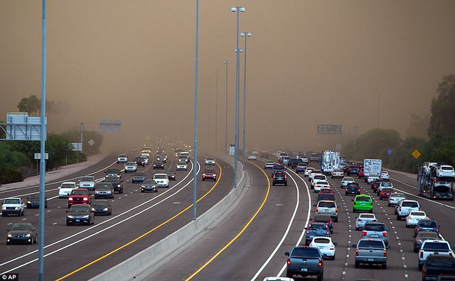 Day the sky turned brown 3,000ft high dust cloud rolls across Arizona AGAIN  7