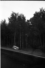 landscape (wannabe.karlos) Tags: road bw film russia accident 100 mjuii lada fomapan beryozki