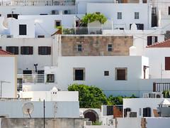 Lindos Houses (Toni Kaarttinen) Tags: houses windows island greek greece grecia griechenland rodos rhodes grce rodi lindos rodes rhodos grcia rodas dodecanese ellda  hells rdos