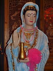 Bagkok - The museum's relics Lady Quan Yin (Kuan Yin) (sharko333) Tags: woman statue museum thailand bangkok thailande