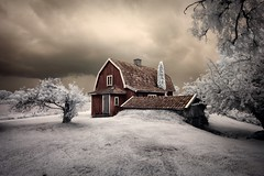 Calm before the Storm (McSnowHammer) Tags: house storm clouds ir shot best software infrared nik scenes skvde viveza