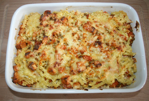 32 - Leberkäse-Nudelauflauf / Meat loaf noodle casserole - Fertig-überbacken