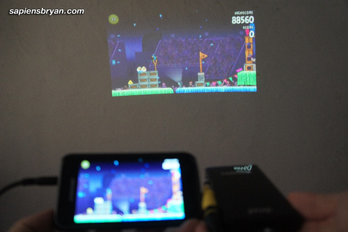 Using TV-Out From A Mobile Phone To The Projector