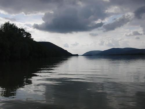 Cruzando el Danubio en barca