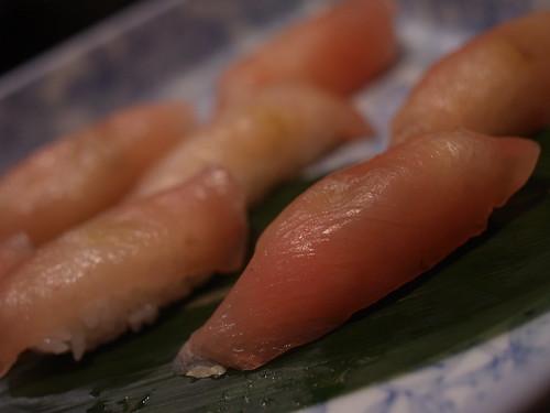 鶏の胸肉の昆布〆のお寿司