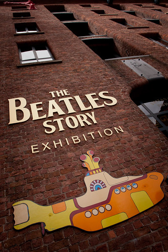 662/1000 - The Beatles Story by Mark Carline
