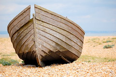 Dungeness boat (Mrs S.A) Tags: beach nature boat dungeness nikond40 flickrchallengegroup flickrchallengewinner 15challengeswinner thechallengefactory challengefactoryunanimouswinner pregamewinner gamesweepwinner