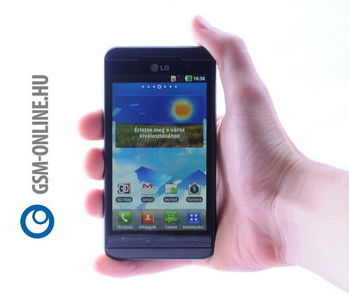 LG Optimus 3D kézben 1