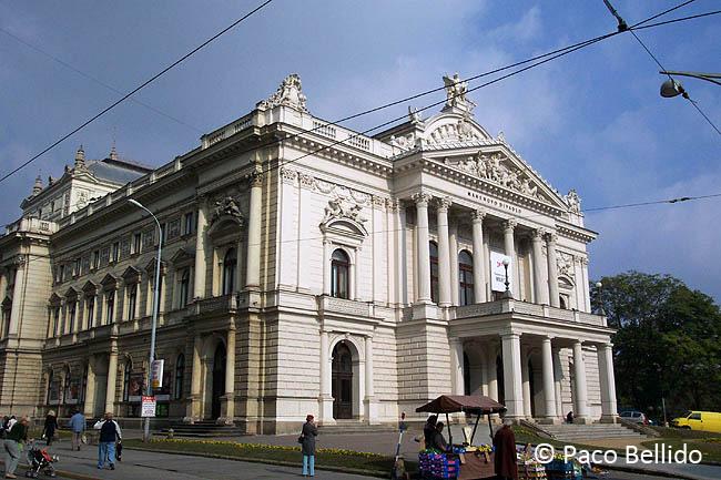 Mahenovo Divadlo. © Paco Bellido, 2005