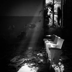 Nightmare escape (Arianna_M(busy)) Tags: light shadows escape darkness volterra away dreams ghosts nightmare emotions tale luce oscurità fantasmi pernondimenticare exmanicomio aishaduo exospedalepsichiatricoferri perdersinellalucedopotantobuio devoringraziareunamicoperquestoscatto unamicoedunbravissimofotografochemihafattoconoscerequestoposto nonloringrazieròmaiabbastanza quietsongs ricercareunaviadifuganellaluceèsemprepossibilenesonoassolutamentesicura trovareunconfortonellalucecherischiaraognipensiero findawayinthelight escapefromtherealworld