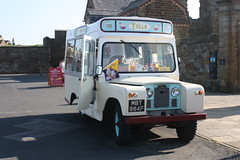Trillo's of Whitby Land Rover Ice Cream Van MBT984F. (EYBusman) Tags: 2 england ice abbey truck yorkshire north cream rover whitby land series van trillo trillos mbt984f eybusman