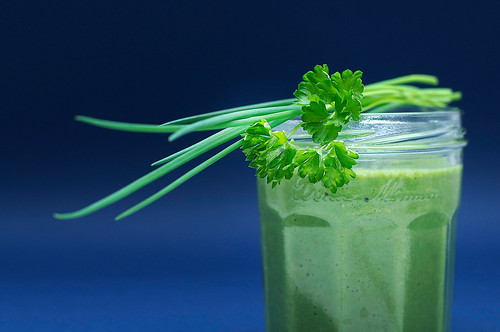 Spinach, parsley and mix fruits smoothie