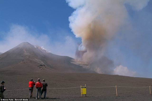 Mount Etna eruption closes airports and 'knocks clocks 15 minutes fast'  4