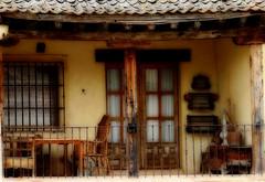 Recuerdos (Enrique Flores 71) Tags: espaa spain madera segovia balcon antiguo recuerdos pedraza espanya castillayleon