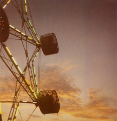 Ferris Wheel (~KIM~) Tags: longexposure polaroid twilight dusk 600 ferriswheel expired slr680