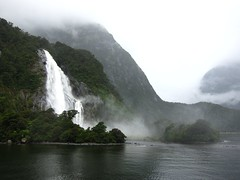 Fiordlands 1 (Brazilian Traveller) Tags: ocean newzealand mountains southisland oceania fiordlands