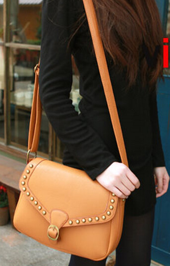 VLS 0242011新款超强质感~韩版女式朋克铆钉女包包复古包450g