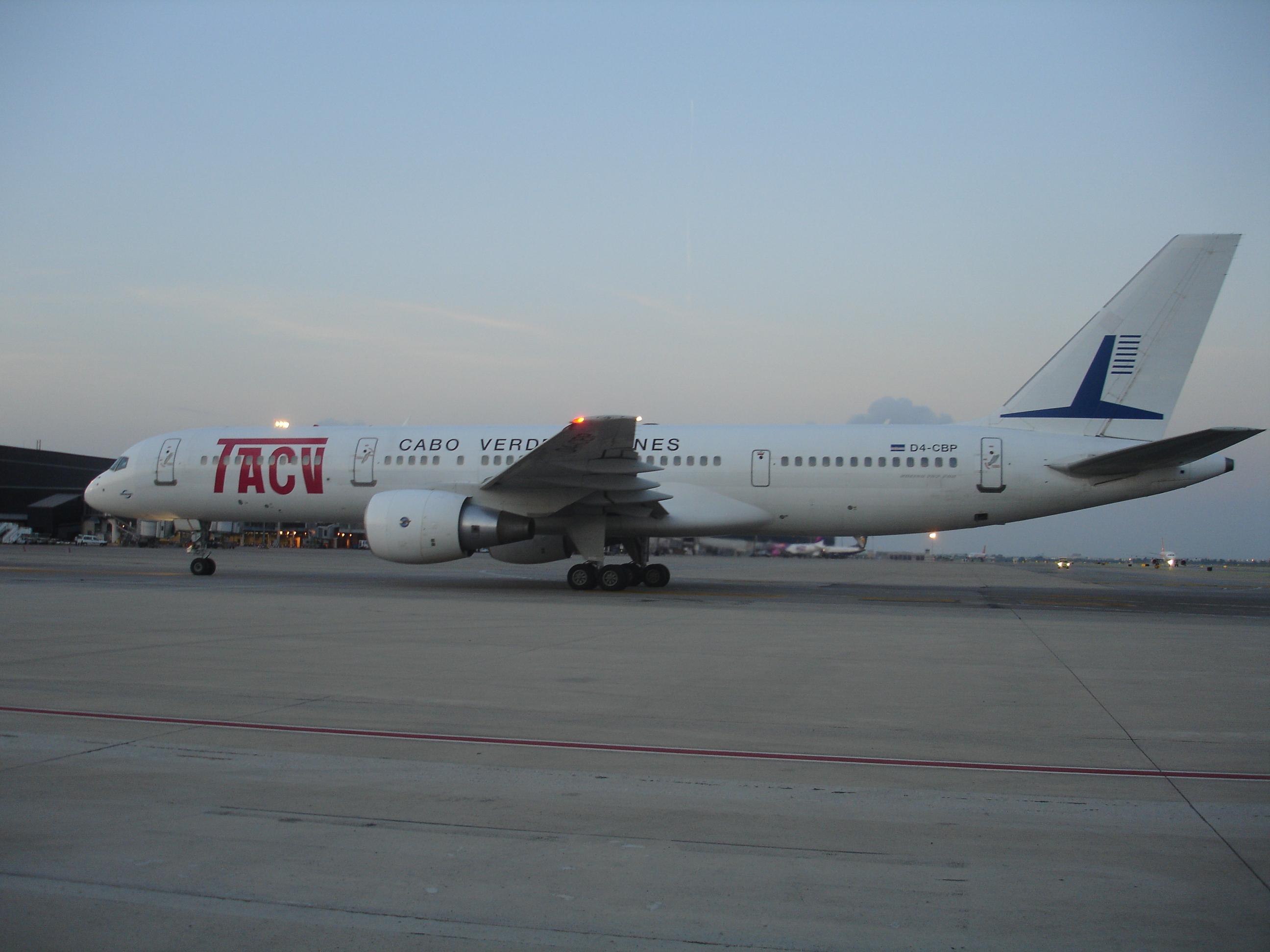 TACV B757-200