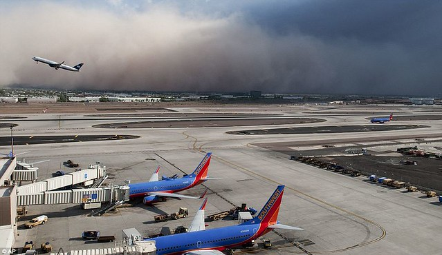 Day the sky turned brown 3,000ft high dust cloud rolls across Arizona AGAIN  4