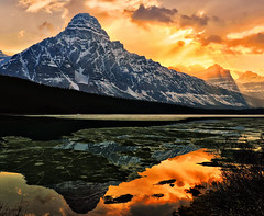 Breakthrough (Jeff Clow) Tags: lake mountains landscape bravo albertacanada banffnationalpark icefieldsparkway waterfowllake canadianrockies naturesfinest mountchephren