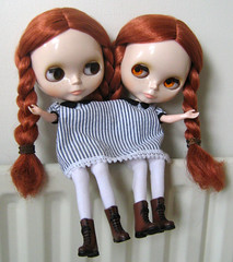 Siamese Posie's (twinkle_moon_bunny) Tags: sisters anne twins dress siamese blythe prairie posie devoutdolls