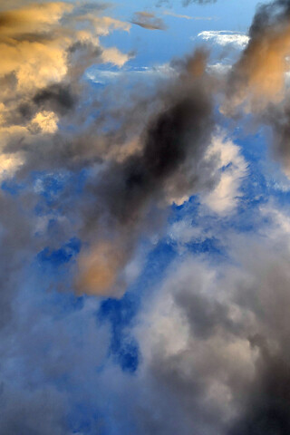 iphone_clouds