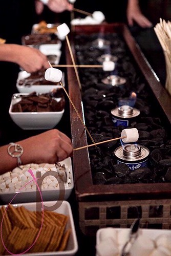 Black-DIY-Wedding-our-S-MORES-bar