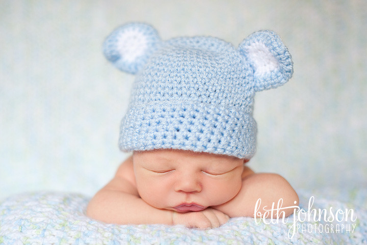 newborn baby boy in tallahassee with blue bear hat
