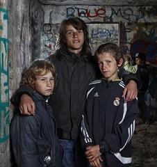 Brothers (Lumperjack) Tags: people graffiti ruins brothers fort ruine bunker portret beton denhelder broers erfgoed strobist grafelijkheidsduinen jimvandermee kroontjesbunker
