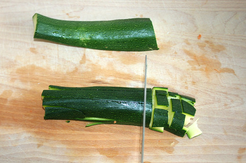 17 - Zucchini würfeln