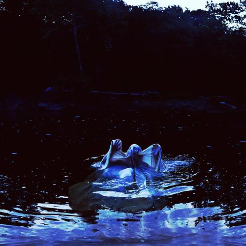 フリー写真素材, 人物, 人と風景, 川・河川, ブルー,