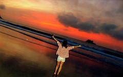 Me (- lasmagnoler / II) Tags: ocean sea brazil sky orange cloud sun reflection sol praia beach beer girl smile fashion yellow brasil sunrise fun island freedom mar sand areia liberdade felicidade wave happiness cu bikini diverso alegria cerveja nuvem reflexo ilha infinite guaruj oceano carpediem carpe nascerdosol onda diem degrade