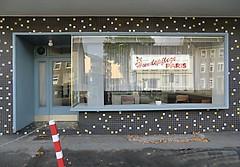 Hundepflege Paris (Peter Schler) Tags: paris germany europe schaufenster casio witten hundepflege