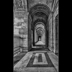 Un couloir au Louvre (Zed The Dragon) Tags: city morning bridge light sunset sky paris france building skyline architecture skyscraper photoshop reflections french landscape geotagged effects photography photo europe flickr cityscape view minolta photos louvre sony capital best musee full fave un most frame faves 100 fullframe alpha soir pyramide reflets postproduction hdr highdynamicrange sal lelouvre zed francais lightroom historique effets storia wow1 wow2 parisien favoris photomatix 24x36 poselongue 0sec a850 sonyalpha hpexif 100comment dslra850 alpha850 zedthedragon 100coms