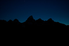 (JAhrensy) Tags: mountains silhouette night d70s wyoming tetonrange grandtetonnationalpark meganahrens jahrensy mja2651