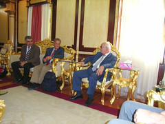 "Wir besuchen den Vice Governor von Dohuk, Mr. Gorgees Shlaymoon • <a style=""font-size:0.8em;"" href=""http://www.flickr.com/photos/65713616@N03/6032257615/"" target=""_blank"">View on Flickr</a>"