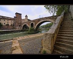 Roma ...Ponte Fabricio (sirVictor59) Tags: italy roma nikon italia niceshot ponte tevere lazio isolatiberina sigma1020mm sirvictor59 saariysqualitypictures mygearandme