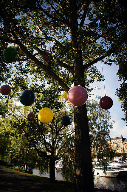 Coloured globes @ Djurgården