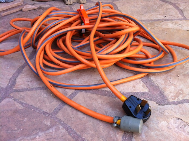 here is the 10 gauge 220v 100ft 33m extension cord   flickr   photo