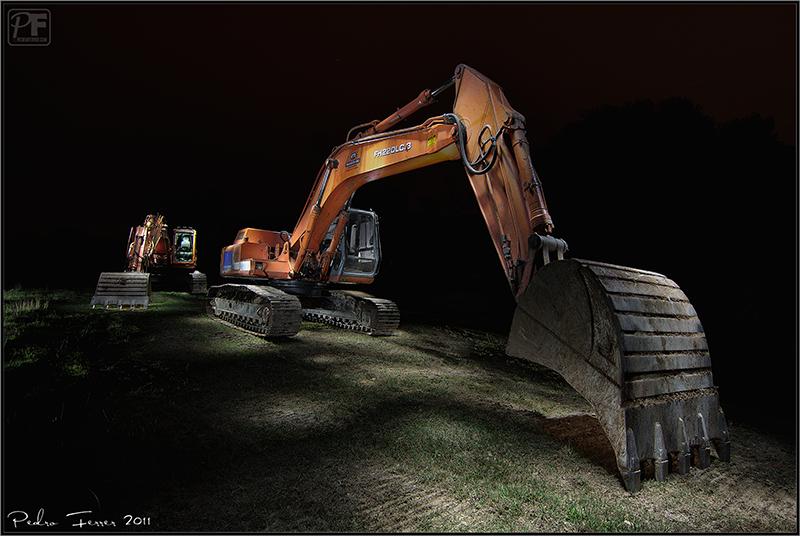 Excavadoras nocturnas - emulando a Eric Curry