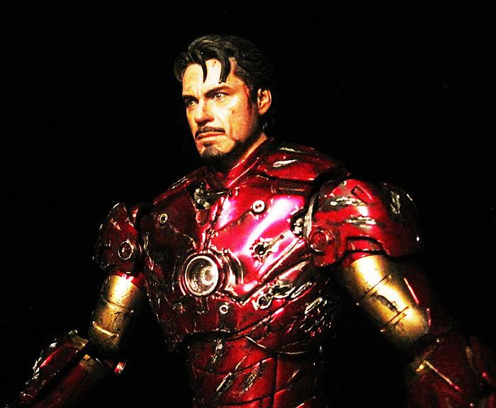 Custom Hot Toys Final Battle Iron Man