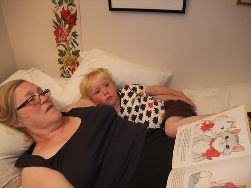 Mormor läser Pelle