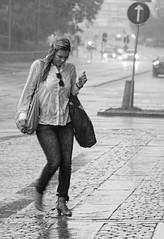 In The Rain_2700 (Olderhvit) Tags: street people bw wet girl rain canon candid streetphotography running 7d raining regn gatubilder blöt regnar gatufoto gatubild olderhvit